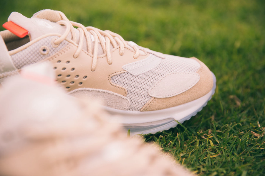 Nike-Air-Max-720-Odell-Beckham-Jr.-crème-et-grise-4