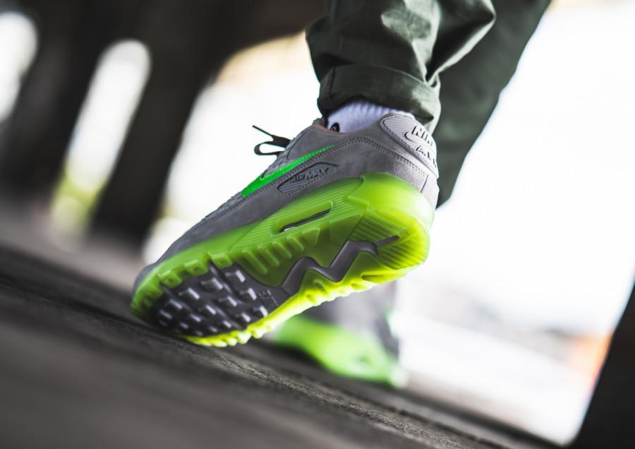 Nike-Air-Max-90-Premium-grise-beige-et-vert-fluo-3-1