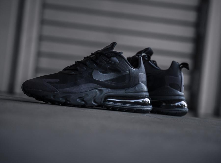 Nike-Air-Max-React-270-grise-et-noire-pour-homme-1