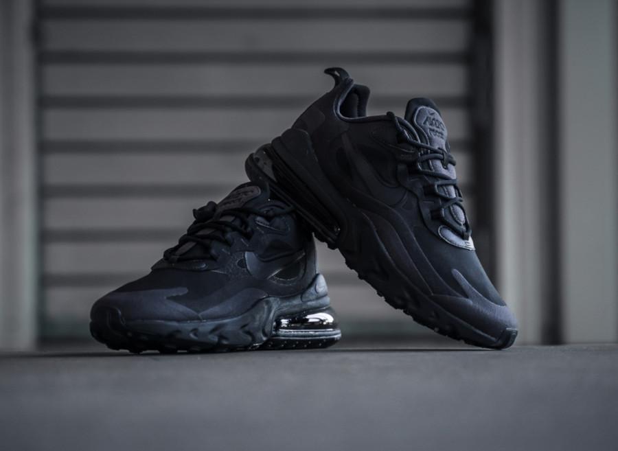 Nike-Air-Max-React-270-grise-et-noire-pour-homme-3