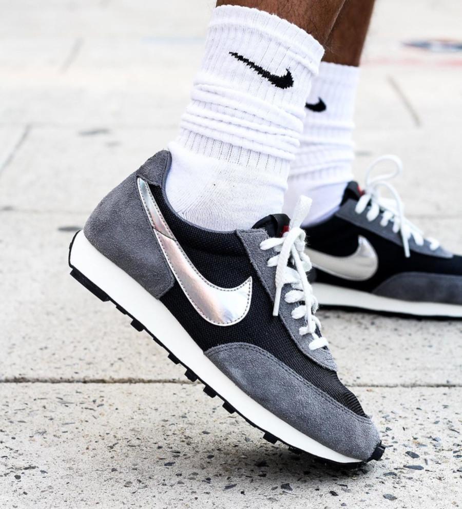 Nike Daybreak SP noire grise et argent métallique BV7725 002
