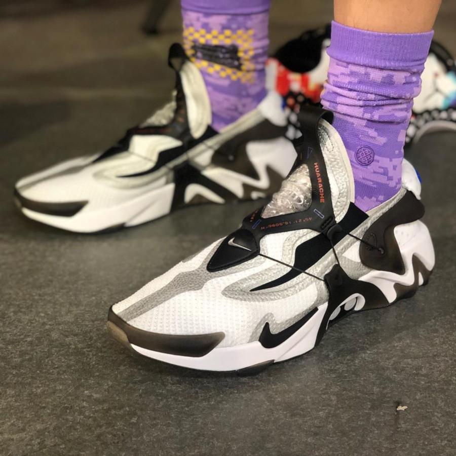 Nike Huarache Adapt grise blanche et noire BV6397-110 (3)