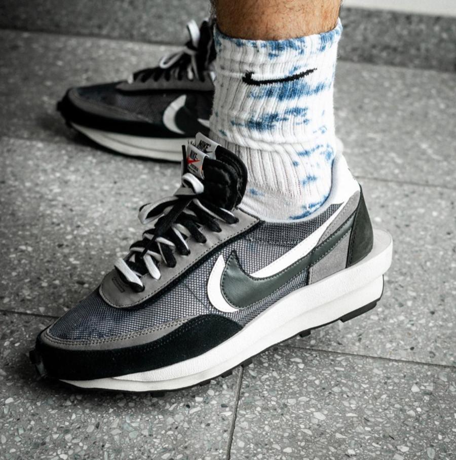 Nike LD Waffle noire grise et blanche (2)