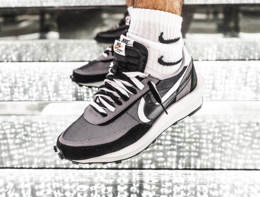 Nike LD Waffle noire grise et blanche (3)