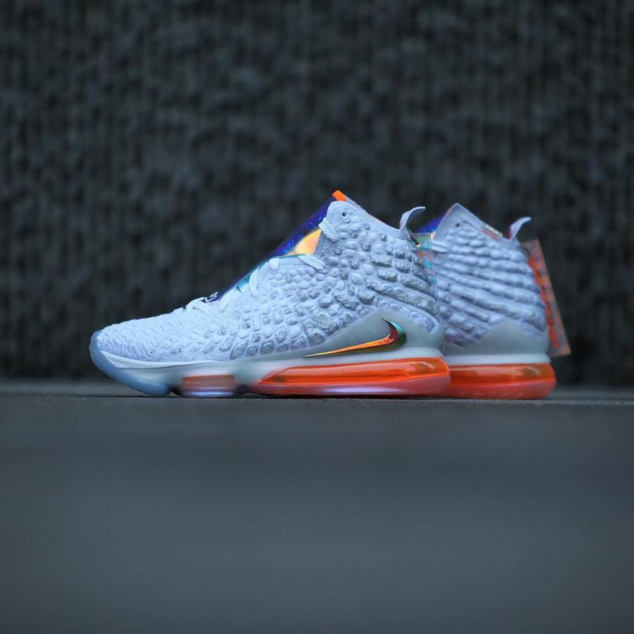 Nike Lebron 17 blanche orange iridescent (3-2)