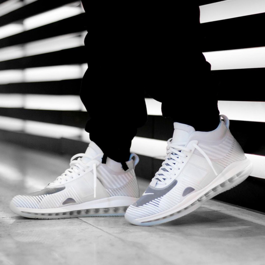 Nike Lebron X JE toute blanche on feet (1)