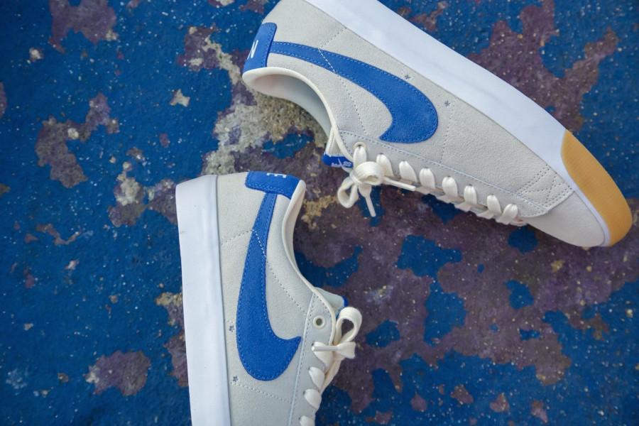 Nike SB Blazer basse beige blanche et bleue (2)