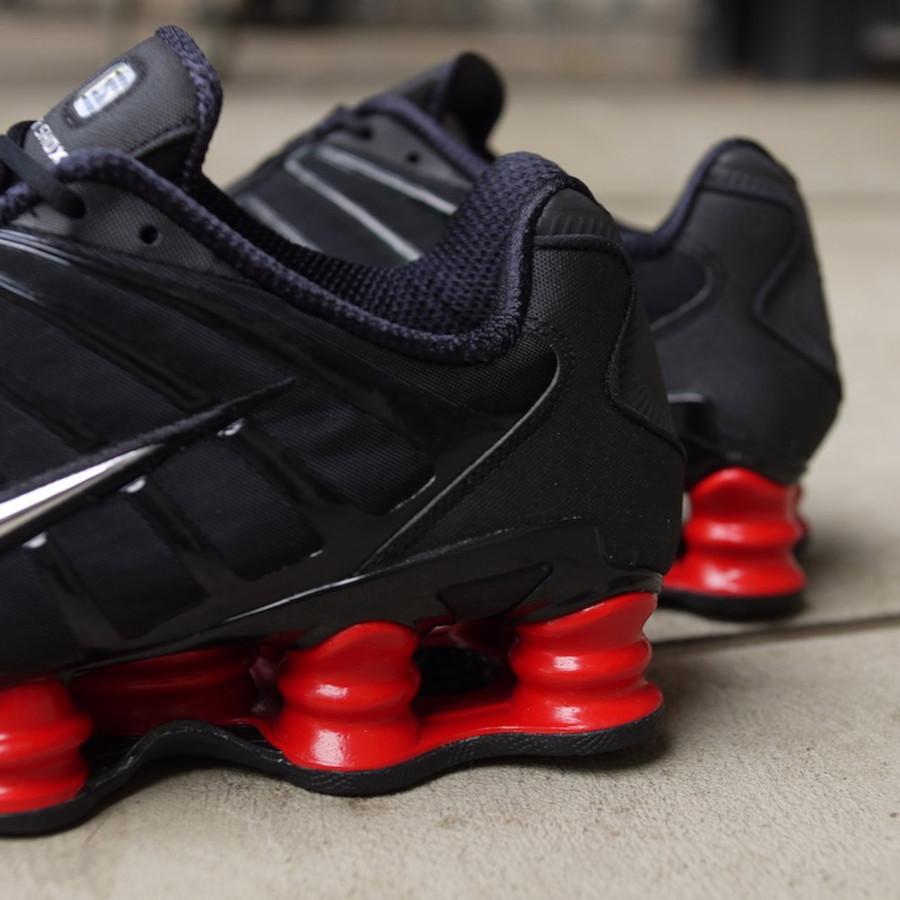 Nike Shox Total noire et rouge (3)