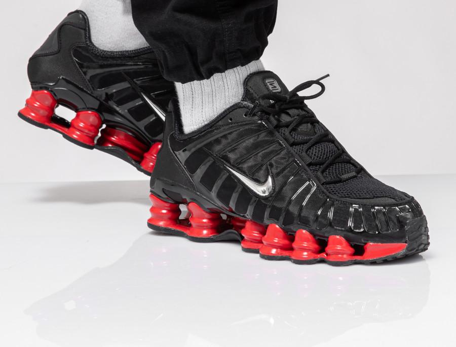 Nike-Shox-Total-noire-et-rouge-6