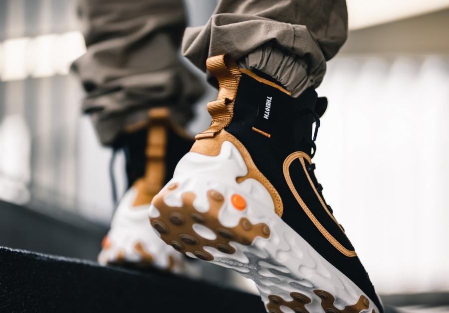 botte Nike React Ianga noire beige et blanche (6)