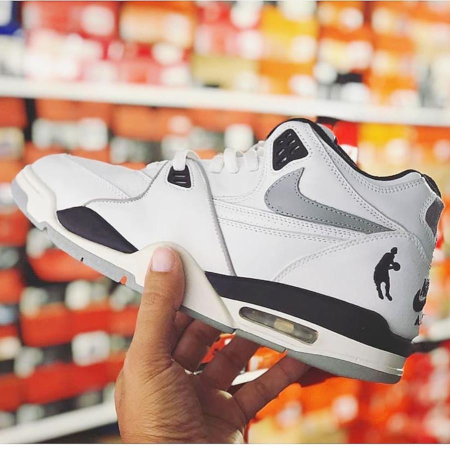 (2004) Nike Air Flight 89 Tony Parker PE - @nostalchris