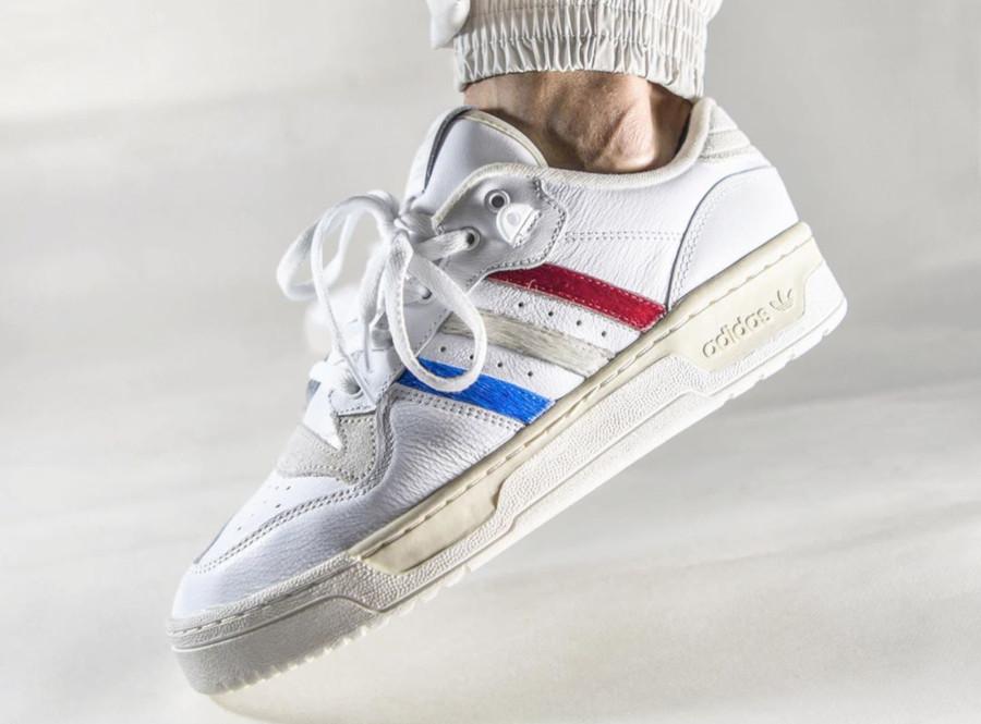 Adidas Rivalry basse blanche et en poils de poney EE4961 (4-3)