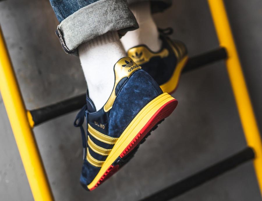 Adidas-SPZL-SL-80-bleu-marine-et-dorée-1