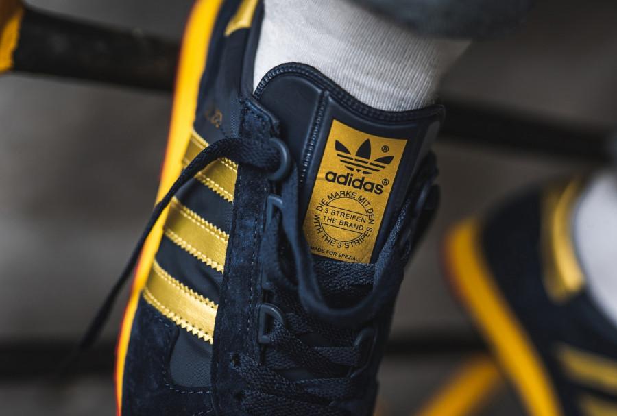 Adidas-SPZL-SL-80-bleu-marine-et-dorée-2