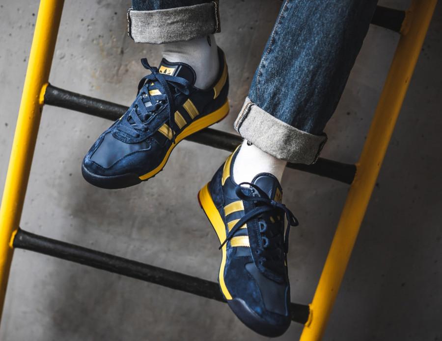 Adidas-SPZL-SL-80-bleu-marine-et-dorée-3