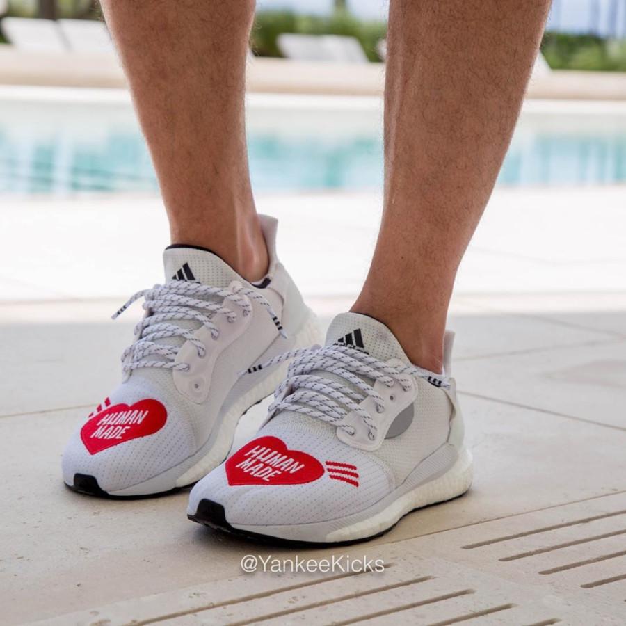 Adidas Solar Hu Glide blanche et rouge EG1837 (1)