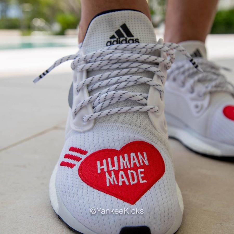 Adidas Solar Hu Glide blanche et rouge EG1837 (2)