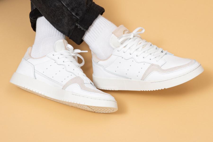 Adidas Supercourt blanche beige et grise EE6034 (6)