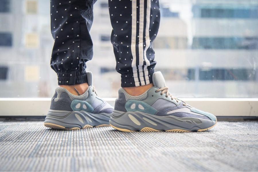 Adidas Yeezy 700 grise bleue et marron FW2499 (2)
