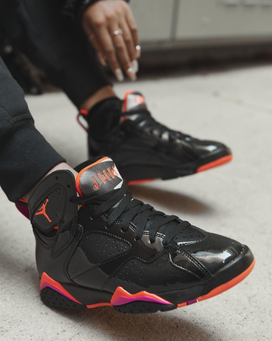 Air Jordan 7 W Retro Black Patent