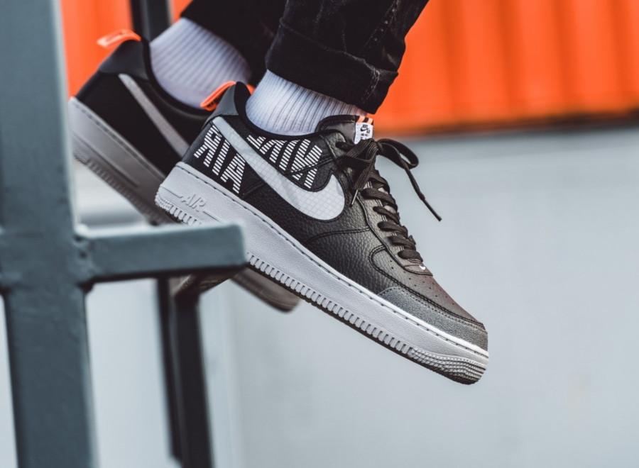 Nike-Air-Force-1-07-LV8-noire-blanche-et-grise-BQ4421-002-4