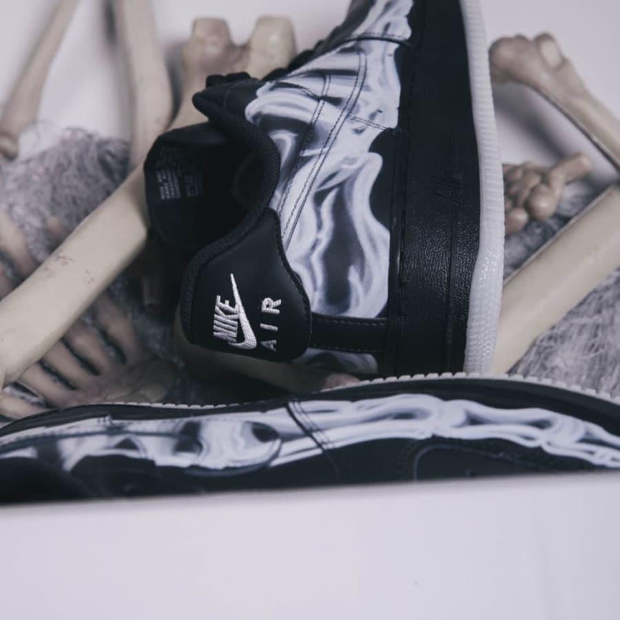 Nike Air Force 1 basse noire avec imprimé squelette (2)