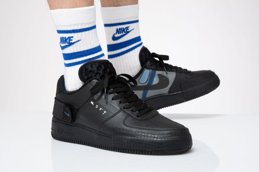 Nike Air Force 1 noire et bleue AT7859 001 (1)
