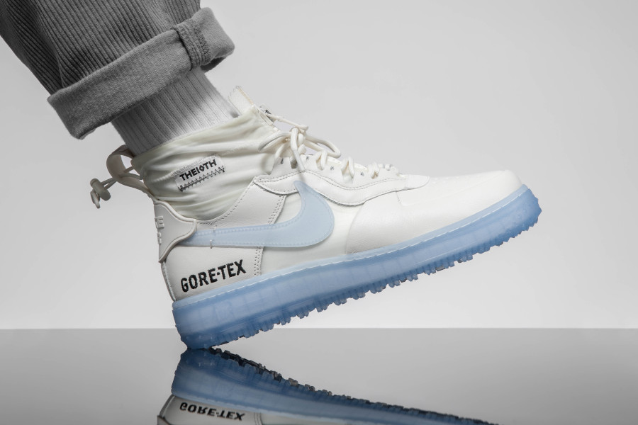 Nike-Air-Force-One-WTR-GTX-blanche-avec-semelle-icy-5