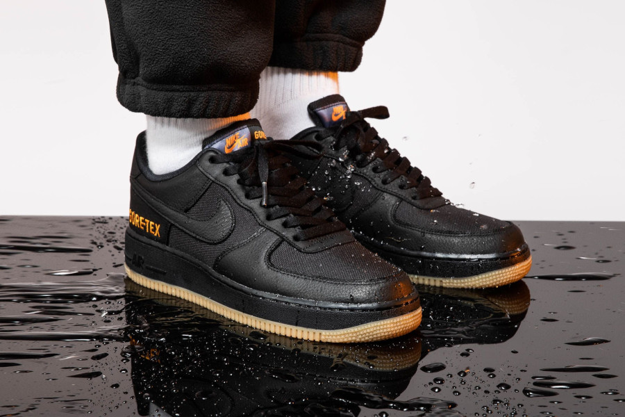 Nike Air Force One noire orange et marron imperméable (2-2)