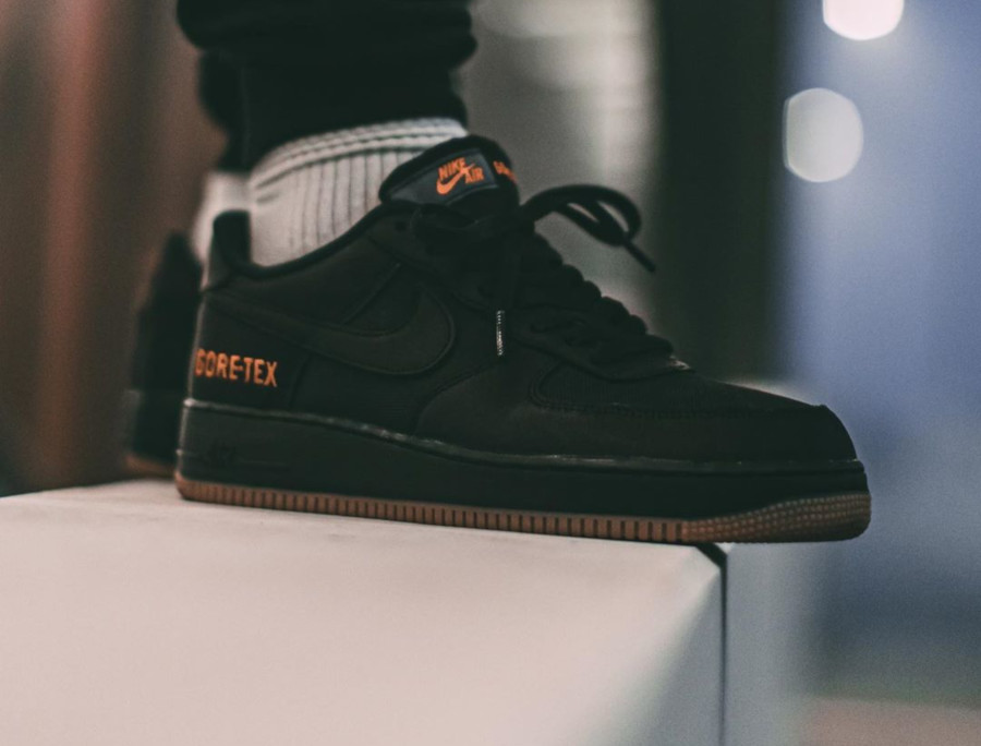 Nike Air Force One noire orange et marron imperméable (3)