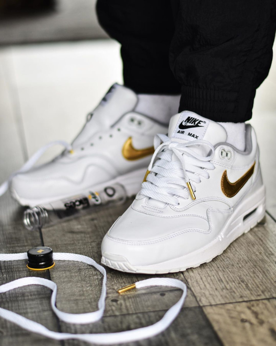 Nike Air Max 1 ID By You 'White Metallic Gold'