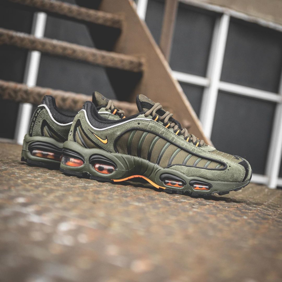 Nike Air Max Tailwind 4 vert kaki et orange (4)