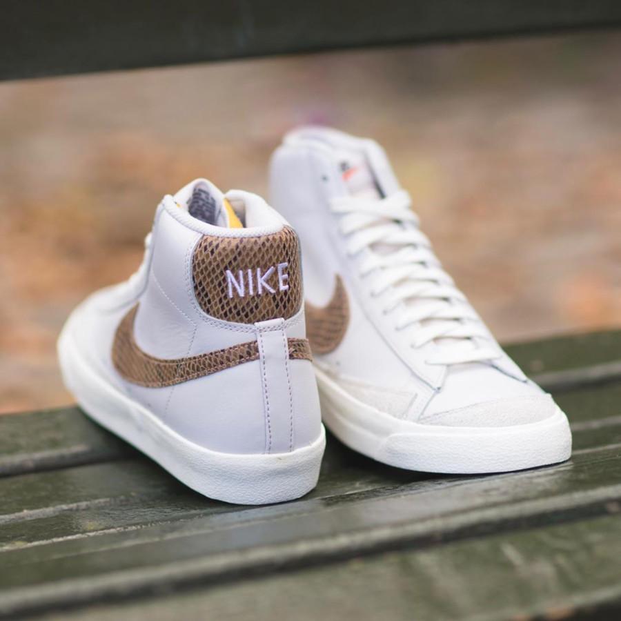 Nike Blazer Mid 77 Vintage blanche grise avec print serpent marron (3)