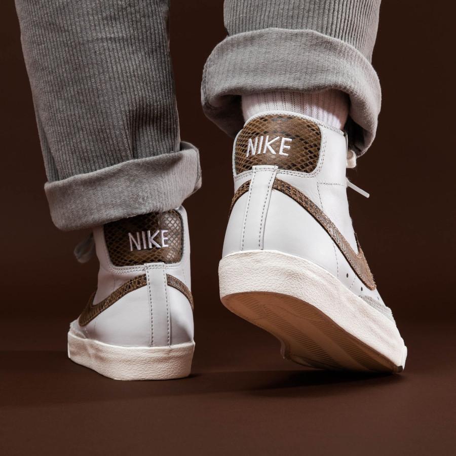 Nike Blazer Mid 77 Vintage blanche grise avec print serpent marron (5)