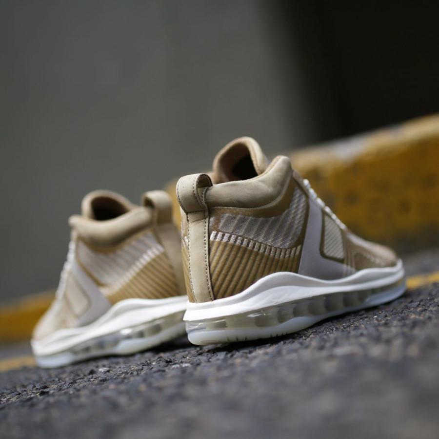 Nike Lebron James X John Elliott dorée et marron clair AQ0114-200 (1)