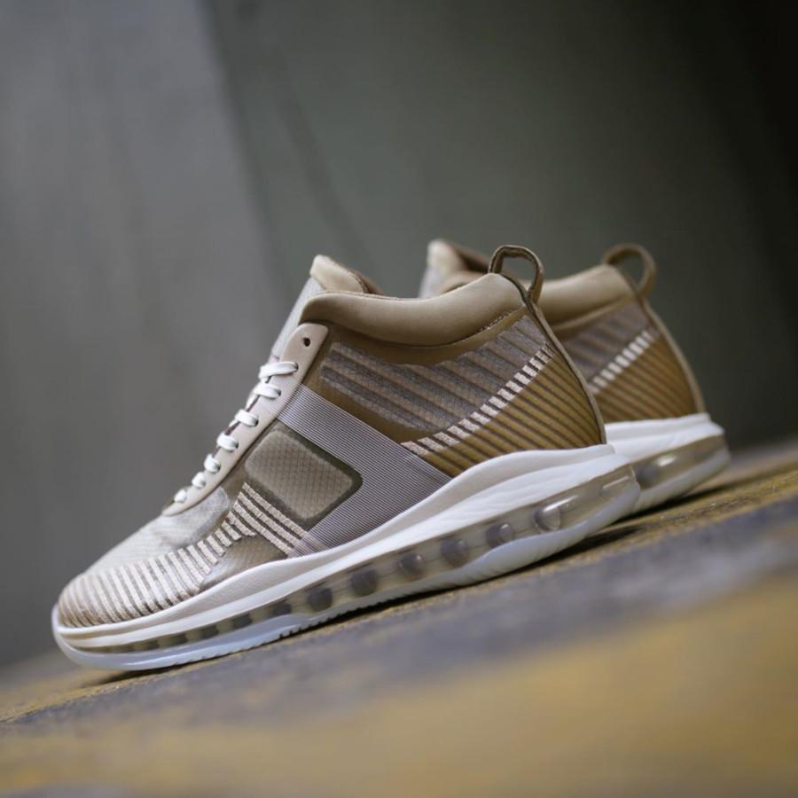 Nike Lebron James X John Elliott dorée et marron clair AQ0114-200 (4)
