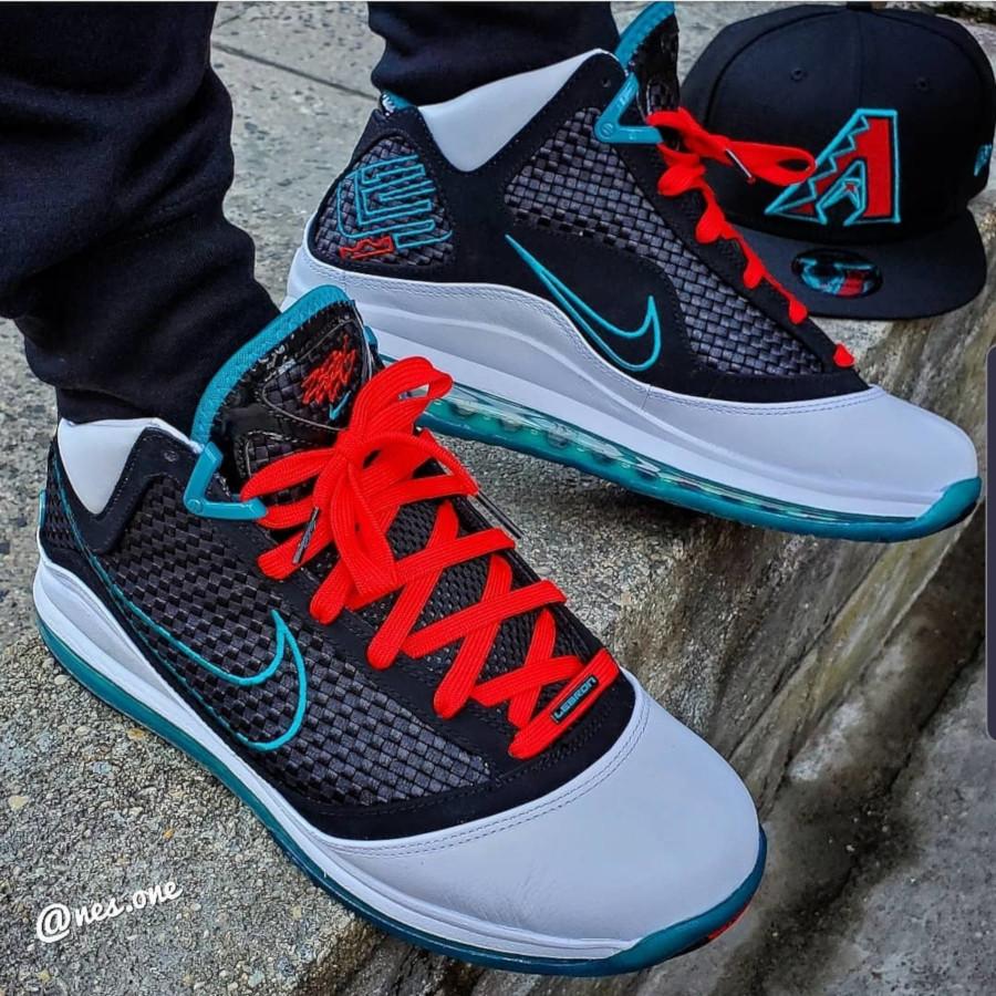 Nike Lebron VII blanche rouge et noire (3)