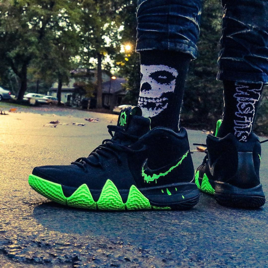 2018 - Nike Kyrie 4 Halloween - @codstra_nostra