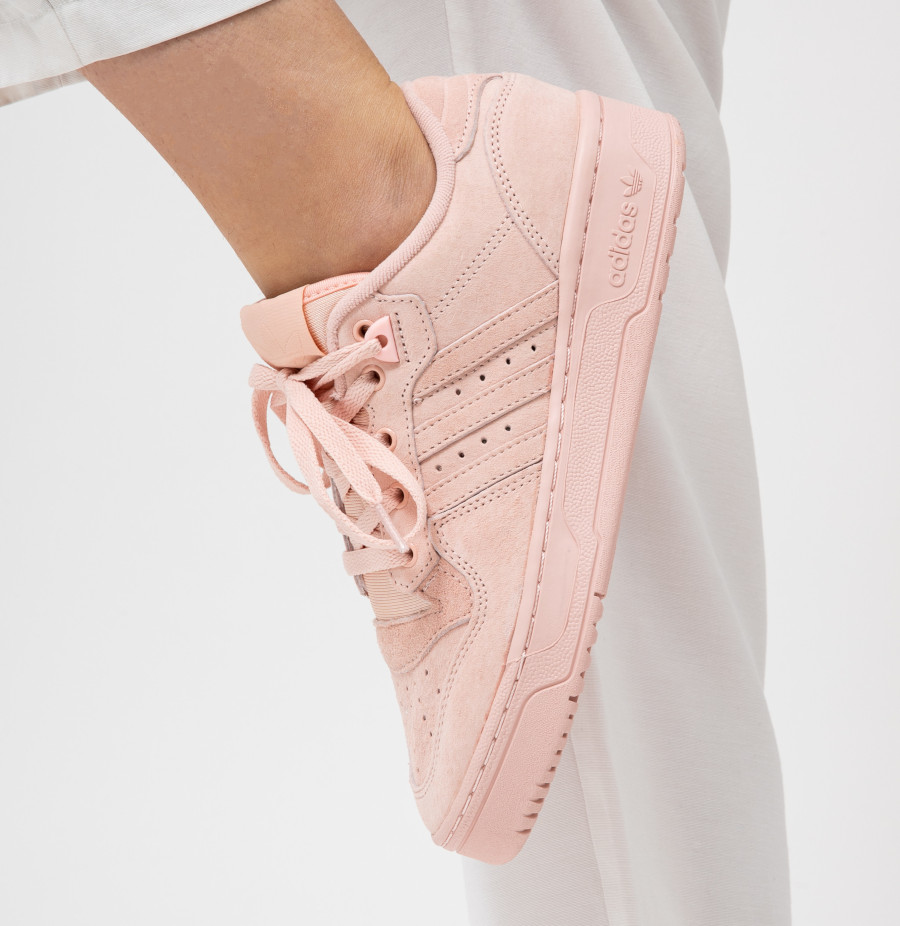 Adidas-Rivalry-Lo-Womens-en-daim-rose-pastel-1