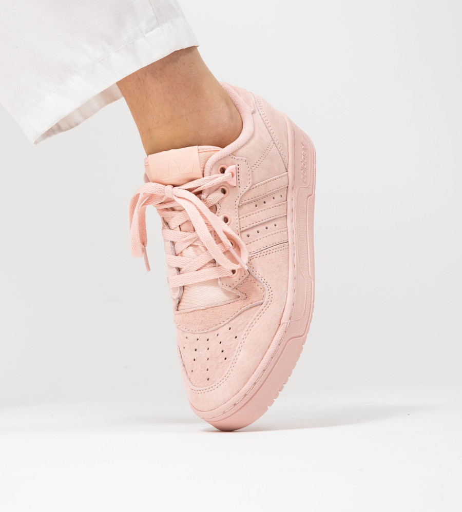 Adidas Rivalry Lo Womens en daim rose pastel (2)