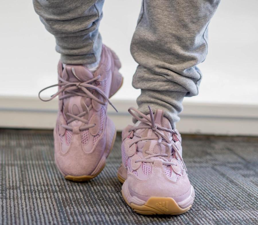 Adidas Yeezy 500 en suède rose pastel FW2656 (4)