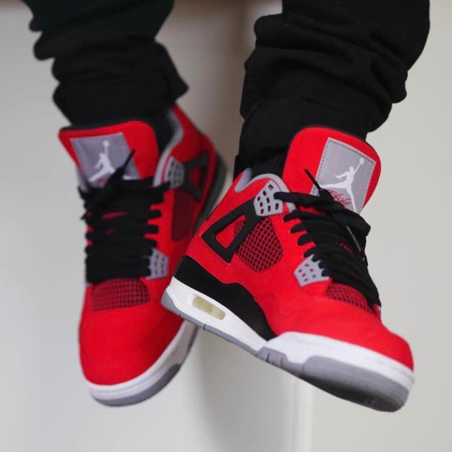 Air Jordan 4 Retro Toro Bravo - @sneakerjunkienz