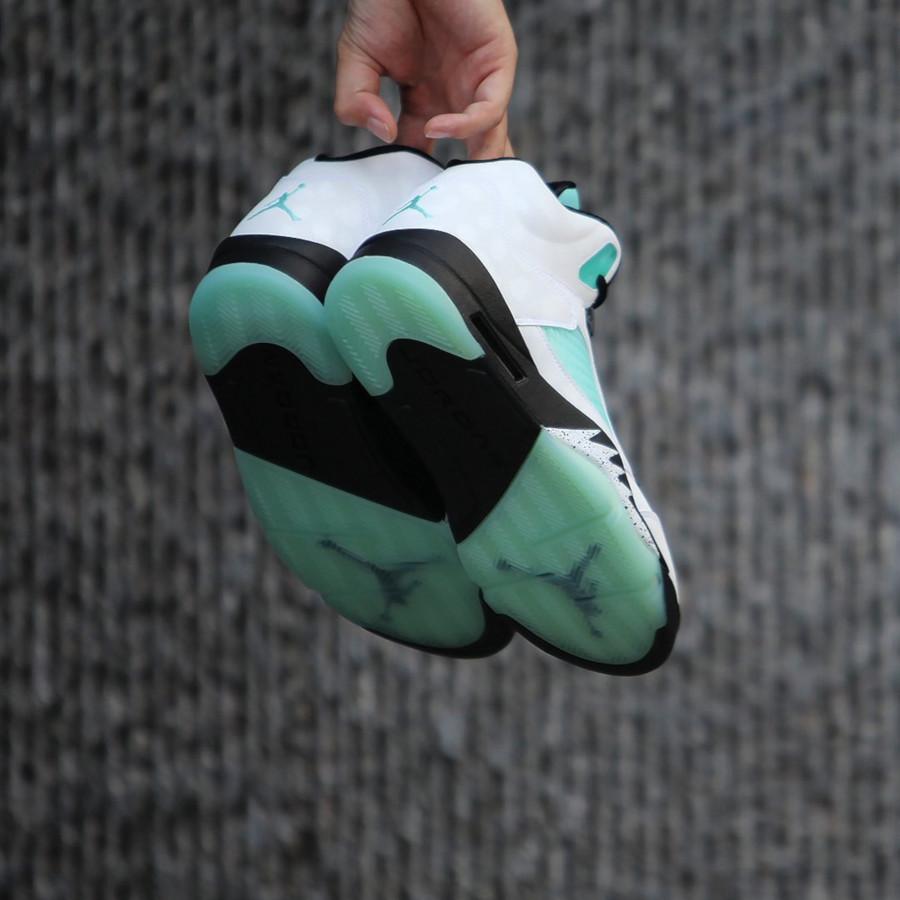 Air Jordan 5 blanche noire et vert turquoise (0)