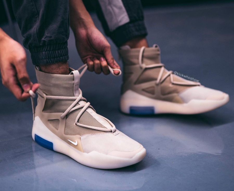 Nike Air Fear of God 1 beige et blanc cassé AR4237-900 (2)