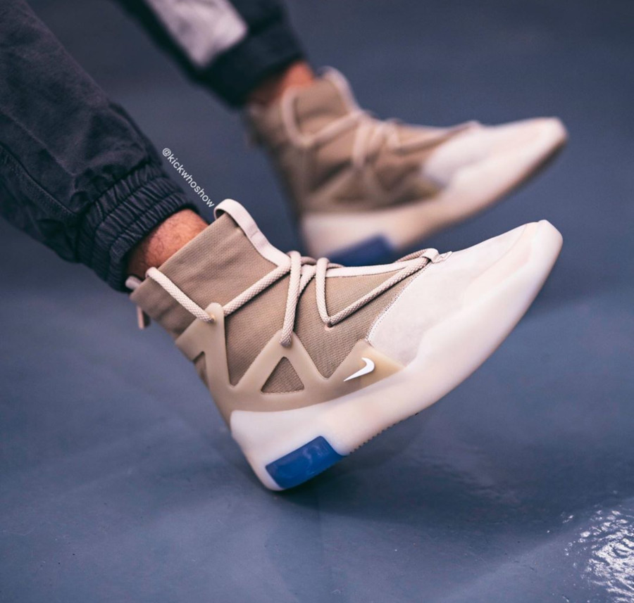 Nike Air Fear of God 1 beige et blanc cassé AR4237-900 (3)