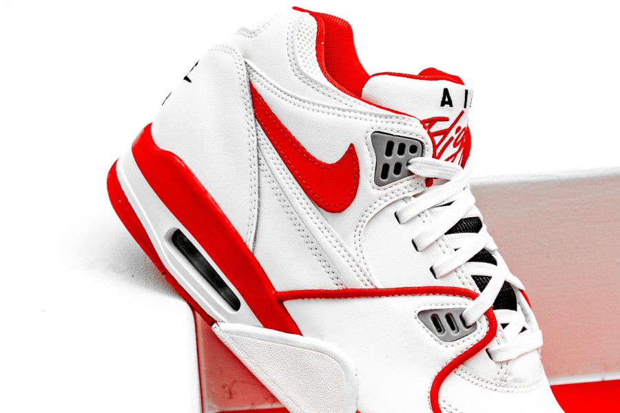 Nike Air Flight 89 blanche rouge et grise (3)
