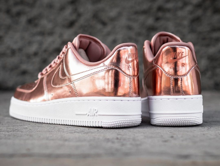 Nike Air Force 1 Metallic Bronze Liquid Metal CQ6566