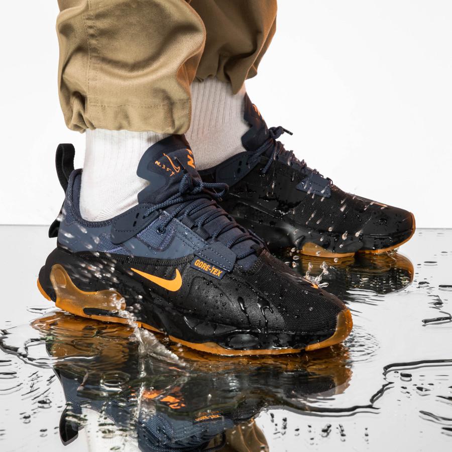 Nike-React-Type-noire-bleue-orange-et-gomme-2