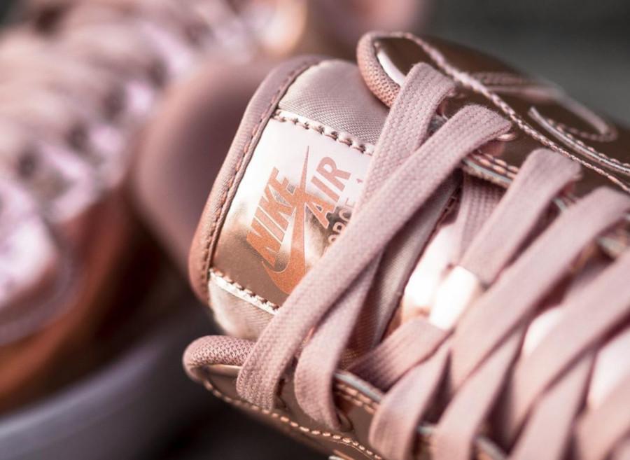 Nike Wmns Air Force 1 Low SP Metallic Bronze (1)