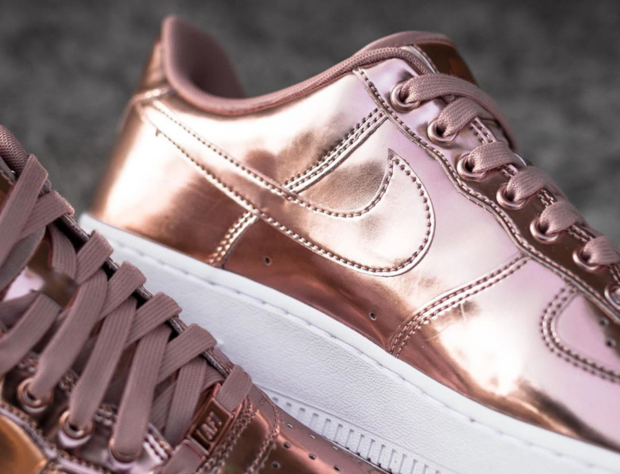 Nike Wmns Air Force 1 Low SP Metallic Bronze (4)
